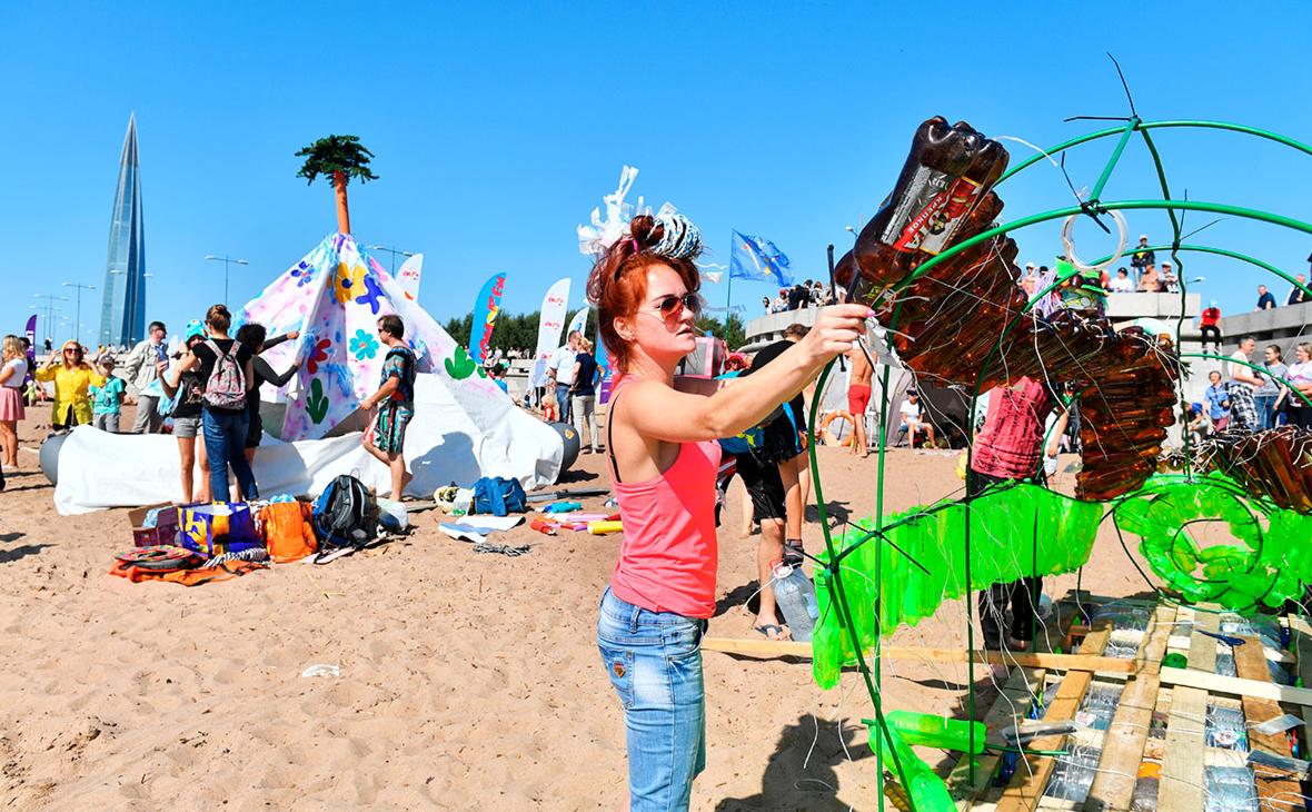 Власти выступили против штрафов за пластиковый мусор на пляже
