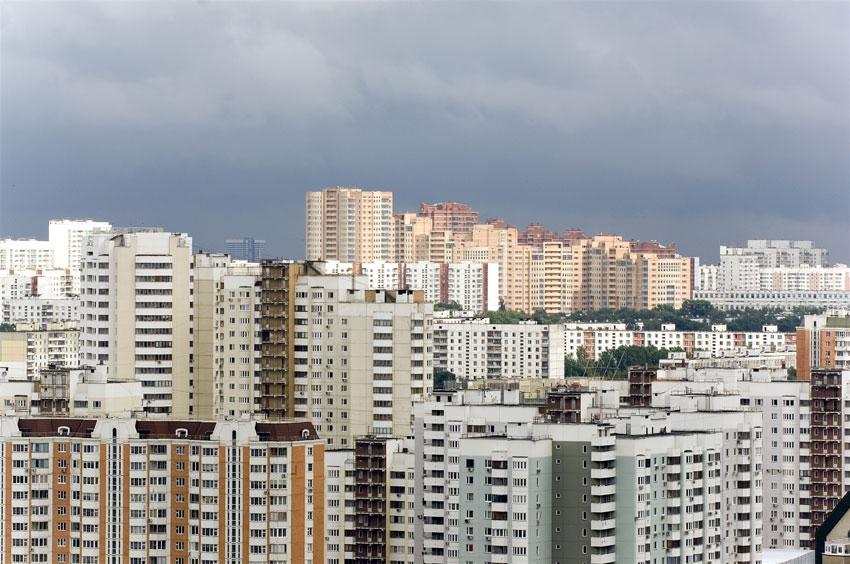Типичный спальный район на окраине Москвы