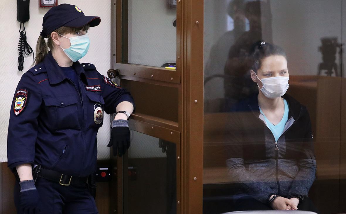 Надежда Куликоваперед оглашением приговора в Бабушкинском районном суде города Москвы