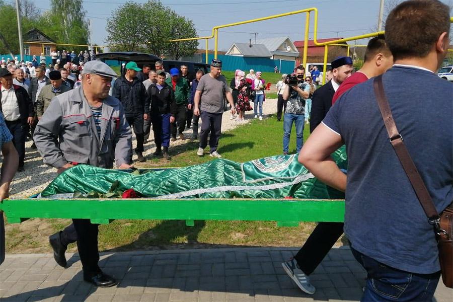 Похороны на Большековалинском кладбище Высокогорского района