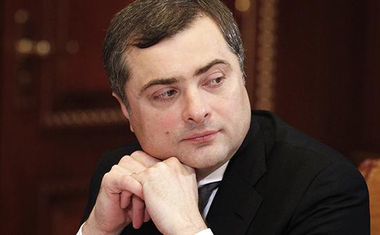 Порошенко обвинил Суркова в координации снайперов на Майдане