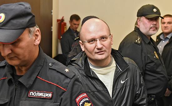 Гендиректор управляющей компании «Проминвест» Александр Горбунов (в центре)