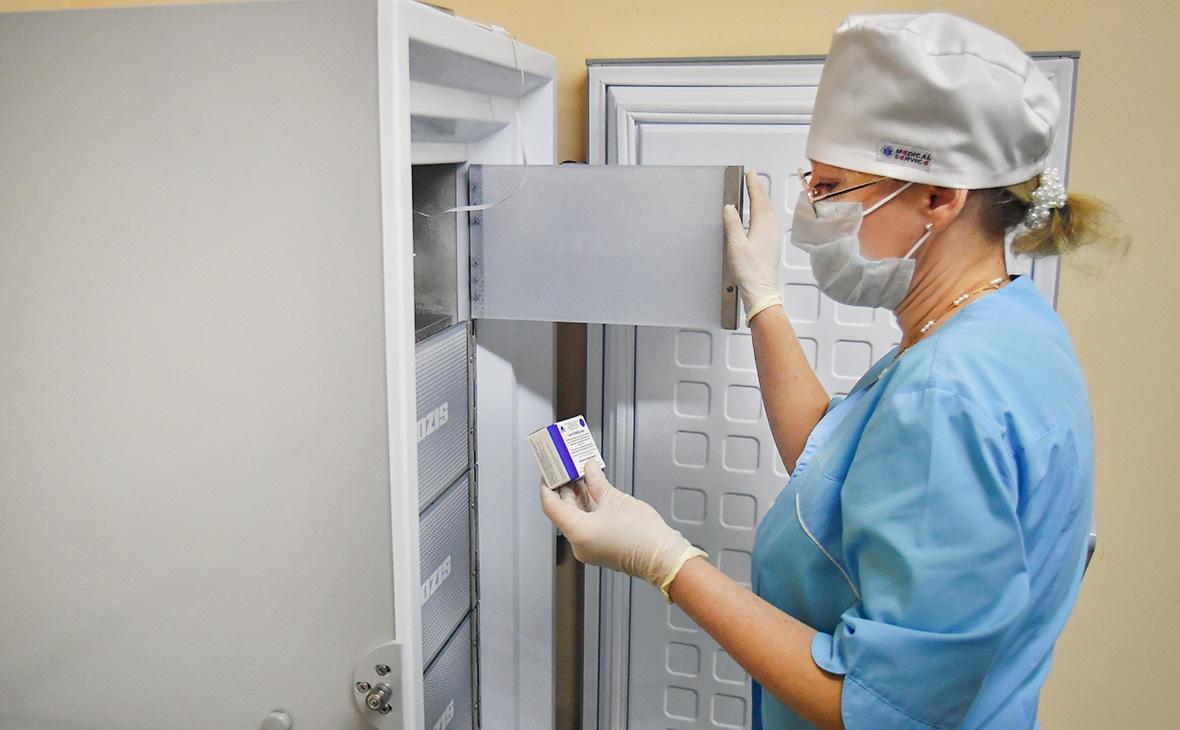 Вакцина против COVID-19 поступила во все регионы России
