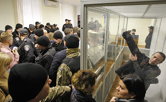 Лидер партии «Украинское объединение патриотов» (УКРОП) Геннадий Корбан назаседании Печерского суда. 6 ноября 2015 года