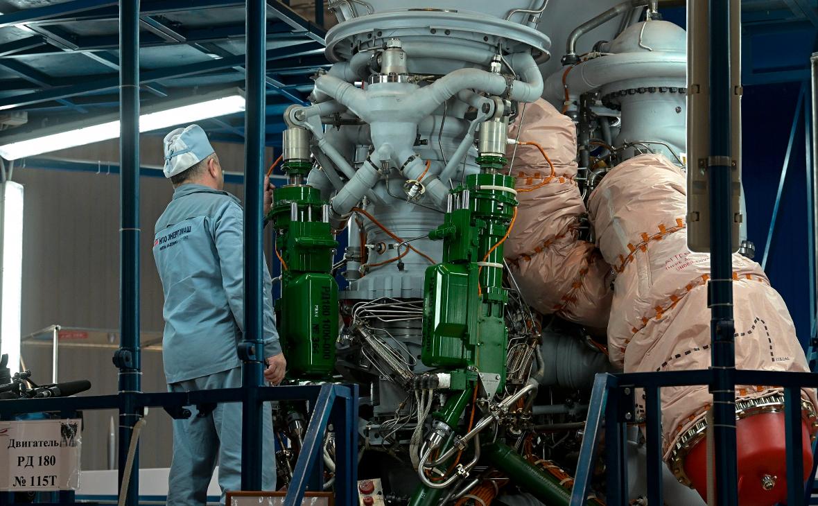 Сборка ракетного двигателя