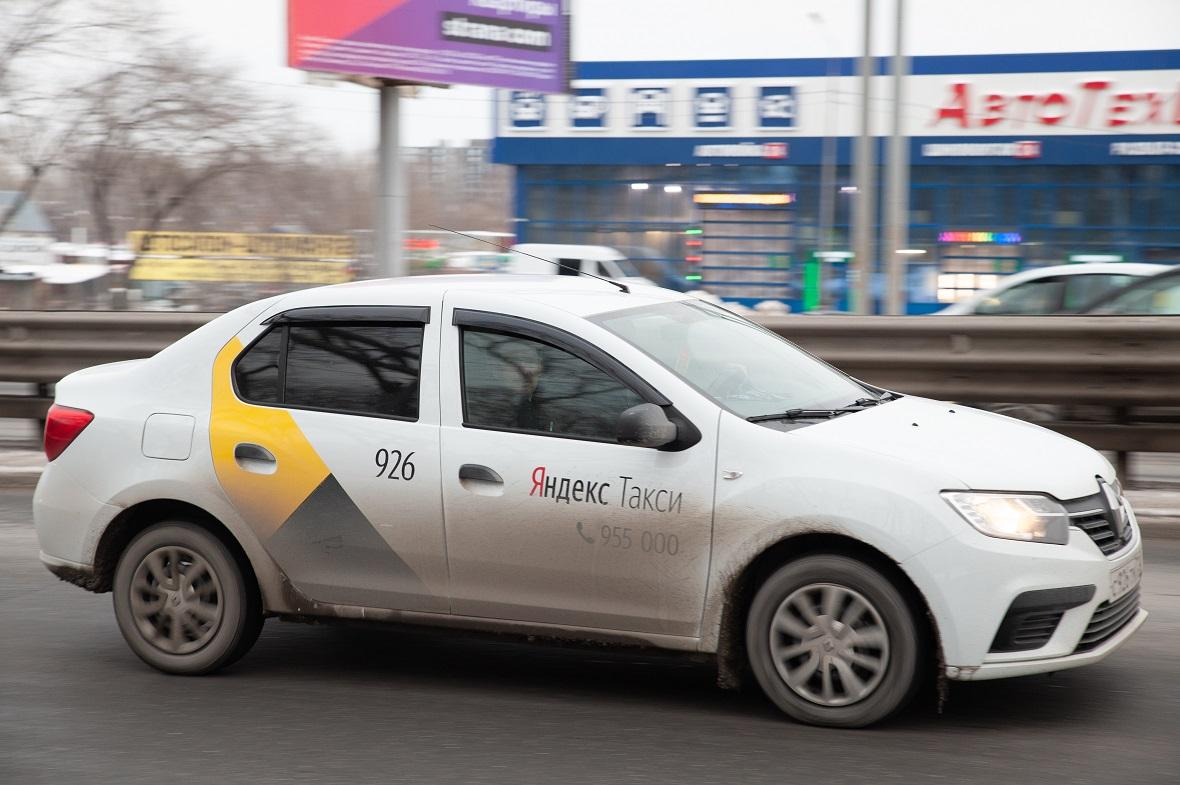 В «Яндекс.Такси» пассажиров просят подождать низкую стоимость