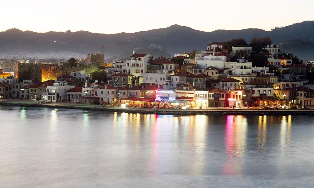 Курорт Мармарис расположен на юго-западе Турции на побережье Эгейского моря. В 2014 году сюда приехали 2 млн туристов