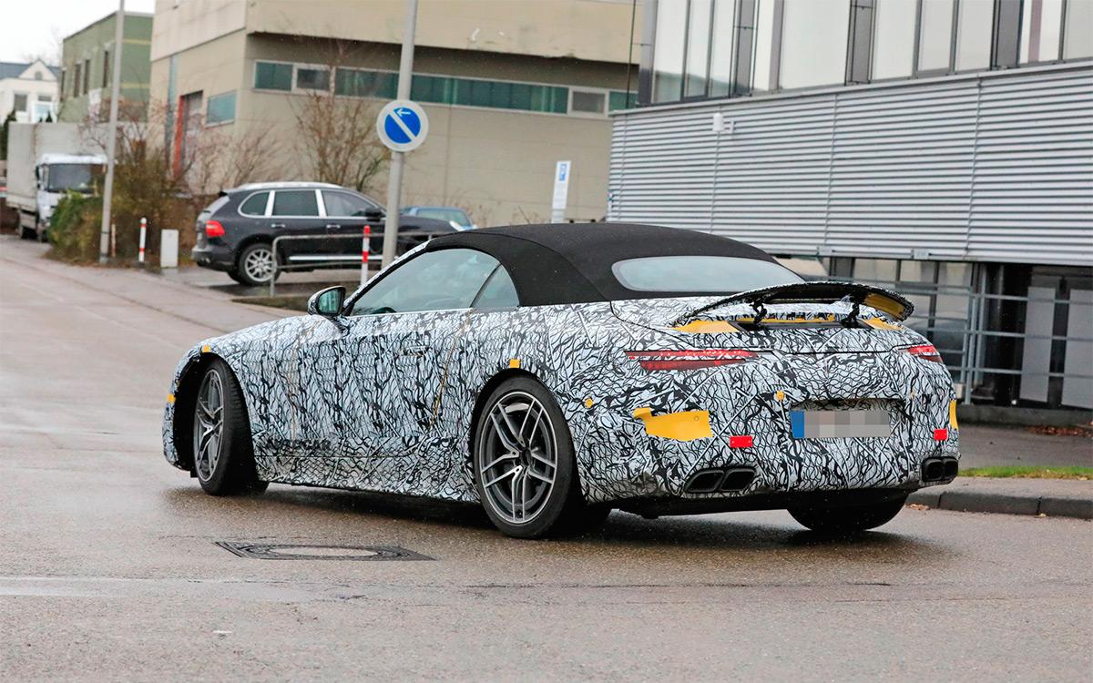 <p>Mercedes-Benz SL</p>