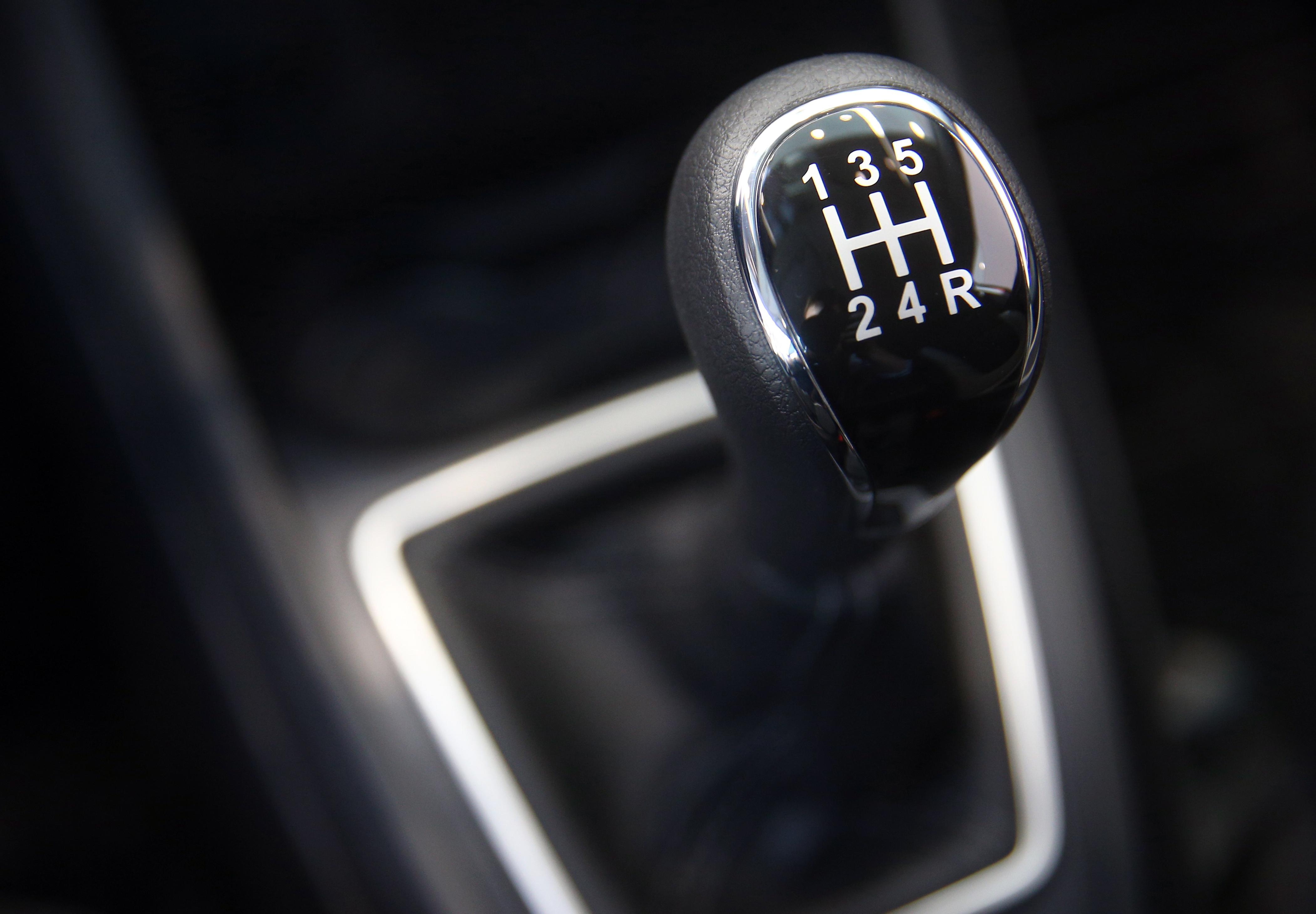 Прообраз «механики» впервые использовал на своем авто Карл Бенц. Сегодня ее ставят на все марки от ВАЗа до Porsche