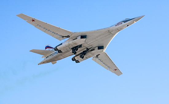 Стратегический бомбардировщик-ракетоносец Ту-160. 2011 год