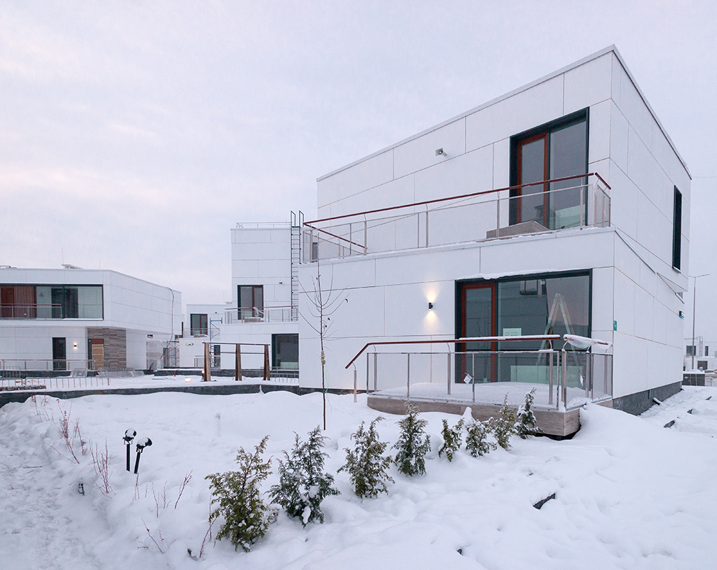 Квартал «Тетрис» получил свое название благодаря фасадам в виде блоков тетриса со светлой облицовкой, отражающей солнечные лучи