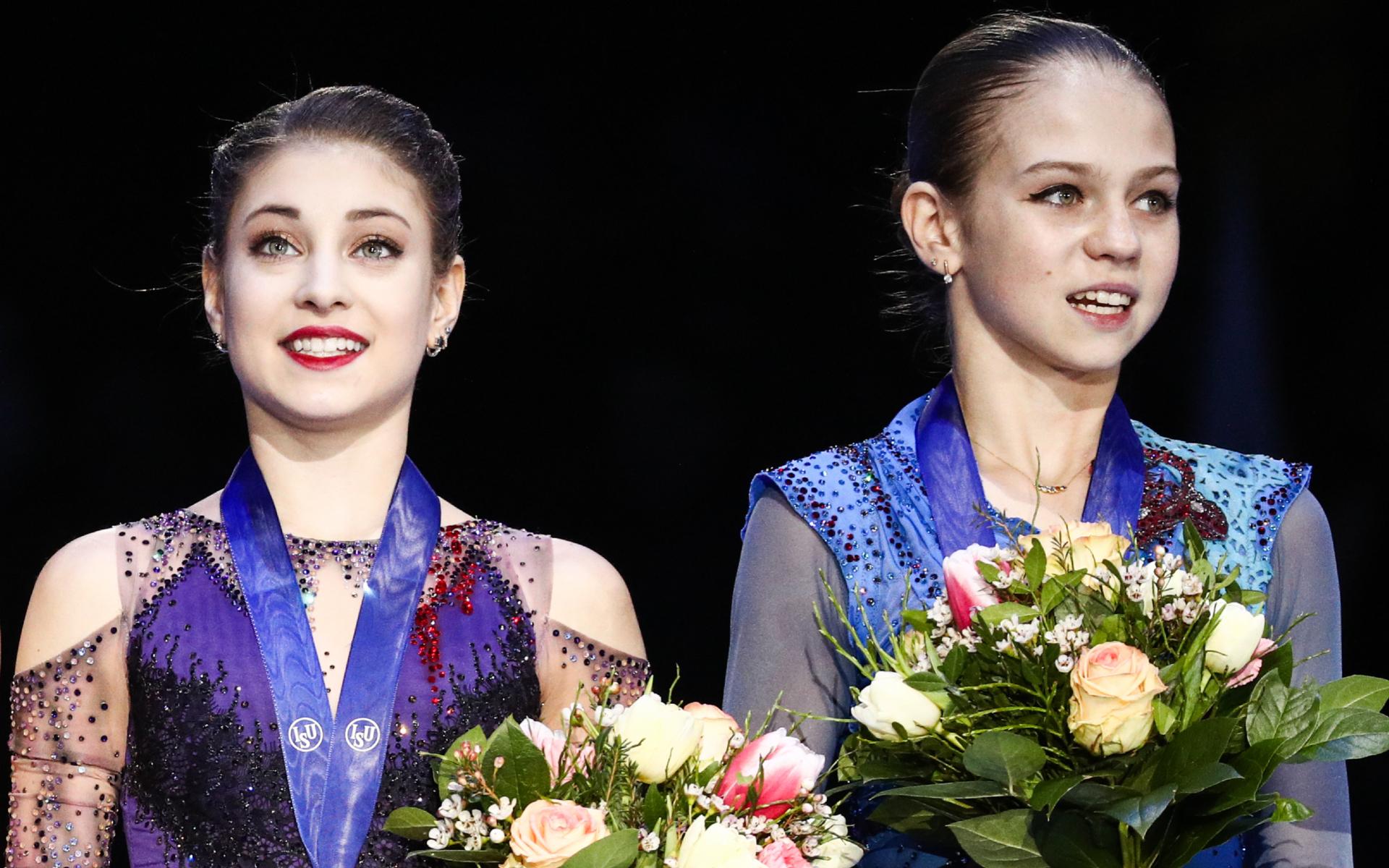 Алена Косторная и Александра Трусова (слева направо) планируют выступить на командном турнире в Москве