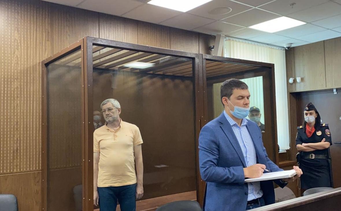 Константин Корищенко (слева)