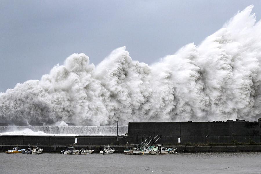Тайфун «Джеби» подошел к берегам Японии 4 сентября