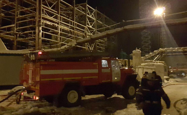 Сотрудники спасательных служб на территории шахты компании «Уралкалий» в Соликамске