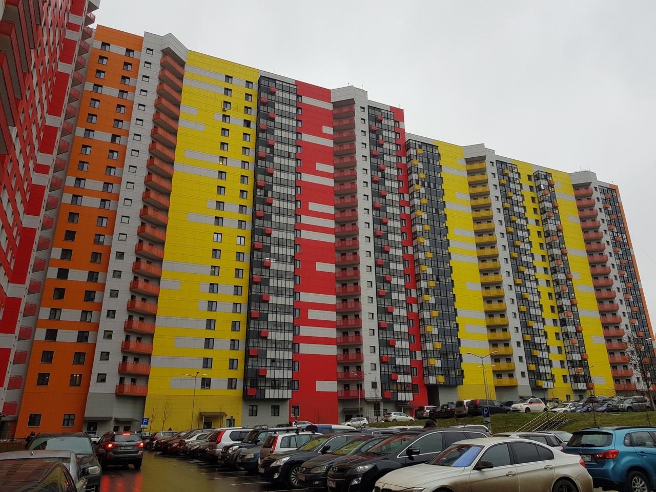 Новый домна Малой Филевской улице, построенный по программе реновации. Здесь Андрей получил квартиру