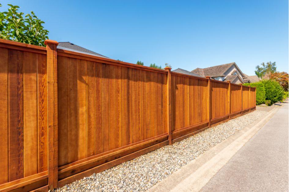 Забор должен располагаться минимум в 3 м от дома