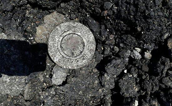 Один из осколков бомбы в сирийском городеХан-Шейхун