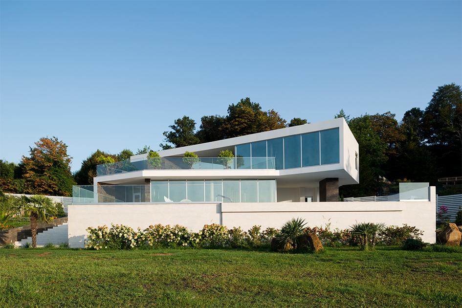Особая отметка жюри вноминации «Лучшая архитектура частного дома»: вилла вСочи  Архитектор: Архитектурное бюро Александры Федоровой