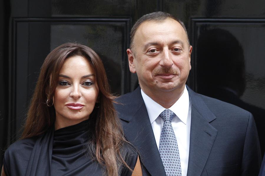 Жена президента Азербайджана Ильхама Алиева Мехрибан вфеврале 2017 года была назначена вице-президентом страны. Представляя нового первого вице-президента членам Совета безопасности, Алиев заявил, чтоона «долгие годы играет важную роль вобщественно-политической, культурной, международной деятельности».