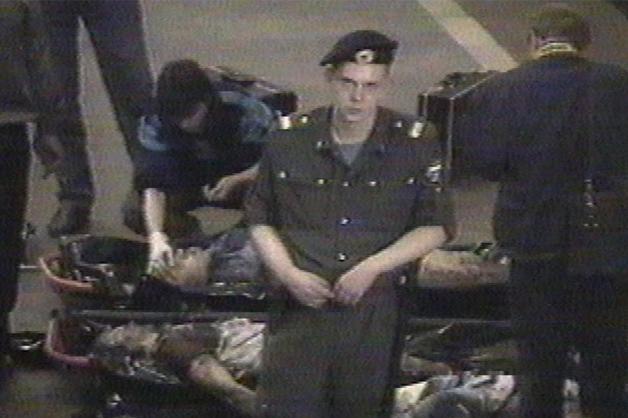 11 июня 1996 года взрыв самодельного устройства произошел вМоскве междустанциями метро «Тульская» и«Нагатинская». Взрывное устройство мощностью около1кг тротила было заложено пододним изсидений. Погибли четыре человека, еще 16 пострадали. В декабре 1997 года были задержаны двое подозреваемых всовершении теракта, их имена неразглашались.