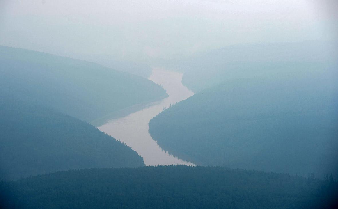 Дым от лесных пожаров в Богучанском районе Красноярского края