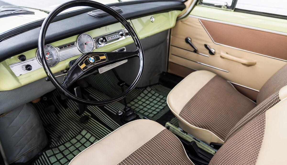 СалонBMW 700 Luxus