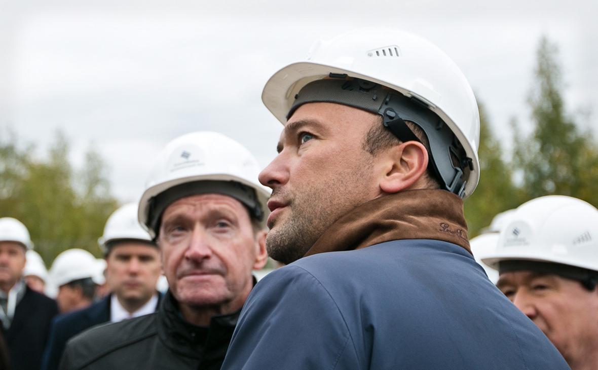Дмитрий Мазуров (на переднем плане)