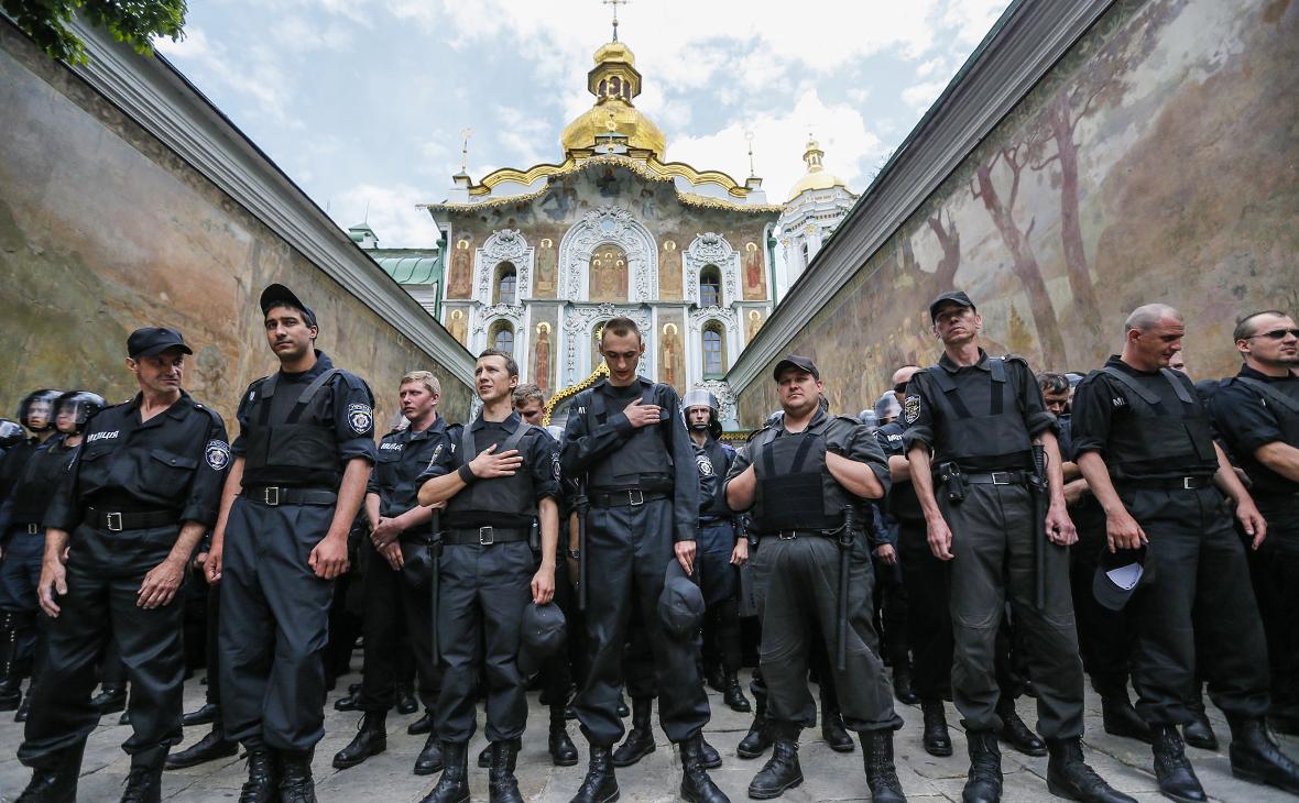 Православный передел  кому достанутся знаменитые украинские лавры     Политика    РБК fccbb518b81bc