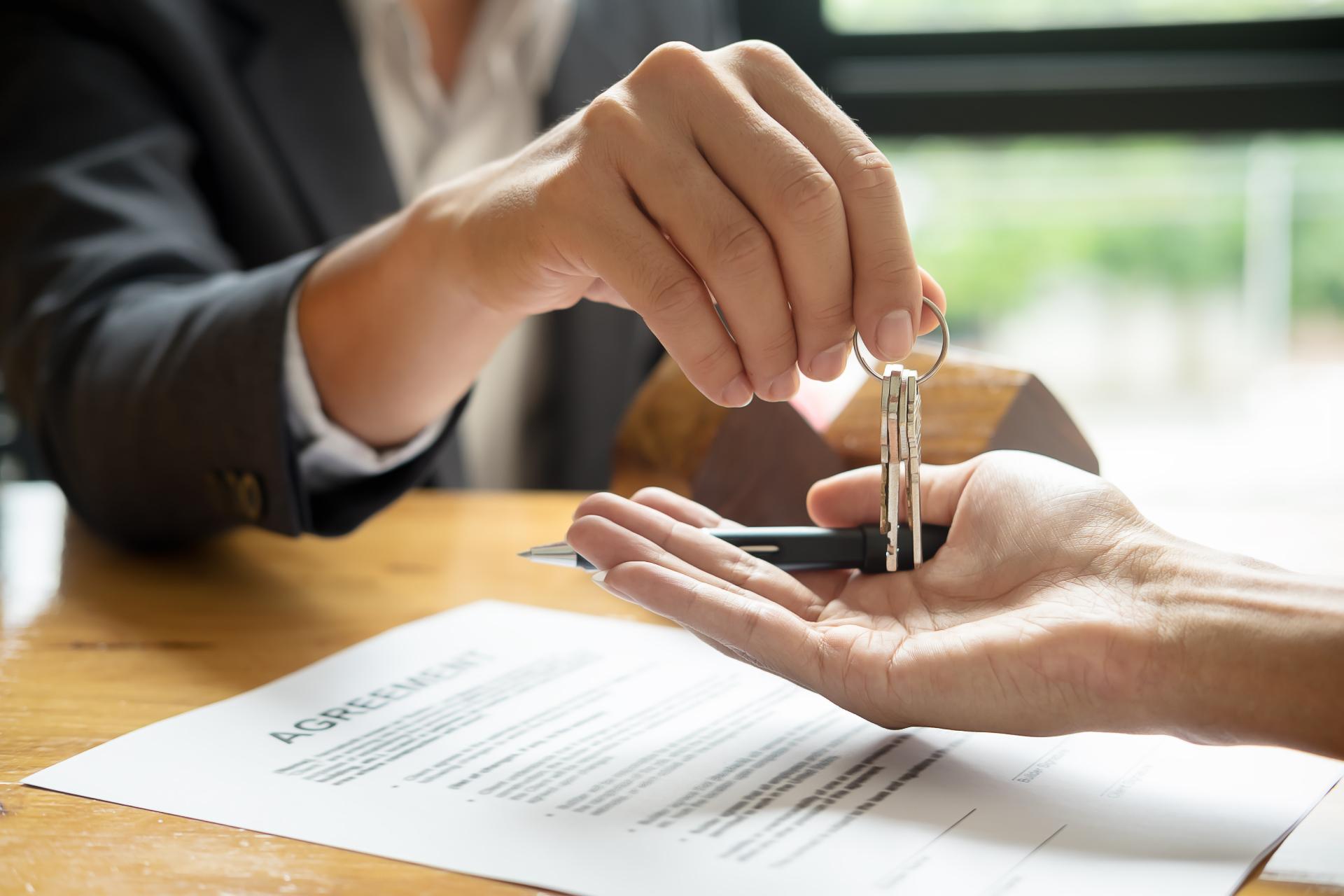 Для продавца и покупателя альтернативная сделка почти не отличается от классической схемы