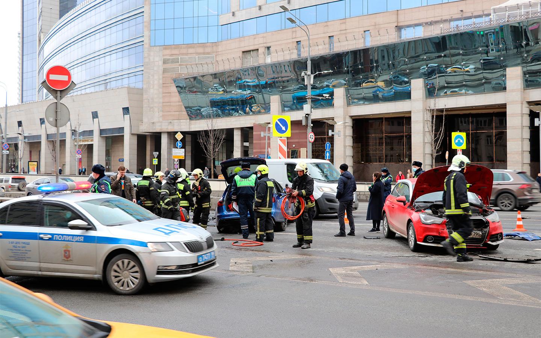 <p>Схемой стоп-учет пользовался собственник автомобиля Audi RS6, на котором скандально известный блогер Эдвард Бил устроил резонансное ДТП в Москве.</p>