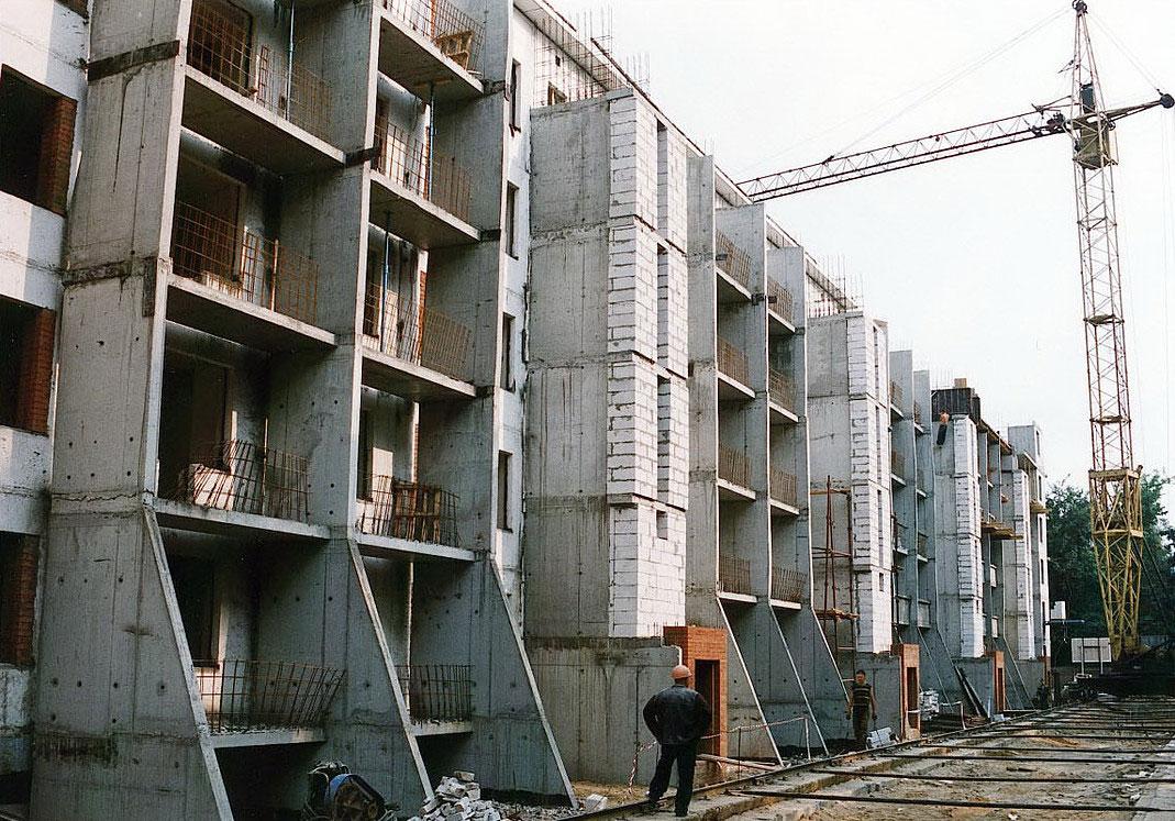 Работы пообстройке пятиэтажки
