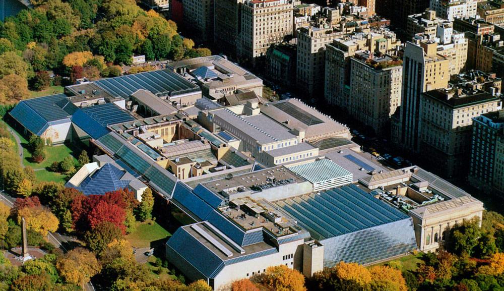 Метрополитен-музей—один изсамых масштабных проектов Роча. Фирма начала заниматься им в1967 году истех пор уже 50 лет курирует расширение иразвитие музея