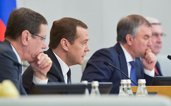 Дмитрий Медведев напленарном заседании Госдумы