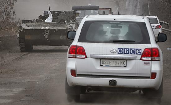 Автомобили ОБСЕ вДонбассе. Архивное фото
