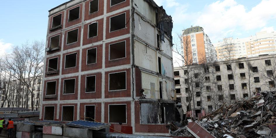 Снос жилого пятиэтажного дома наулице Яблочкова вБутырском районе