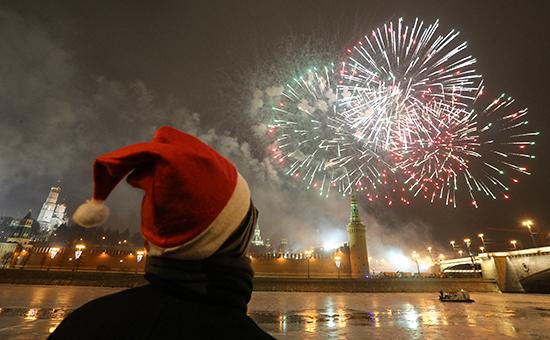 Если предложения Минтруда овыходных днях вследующем году будут приняты, россияне будут отдыхать девять дней нановогодние праздники.