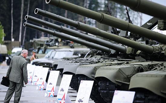 Россия продает свое оружие за доллары. А доллары уважают санкции