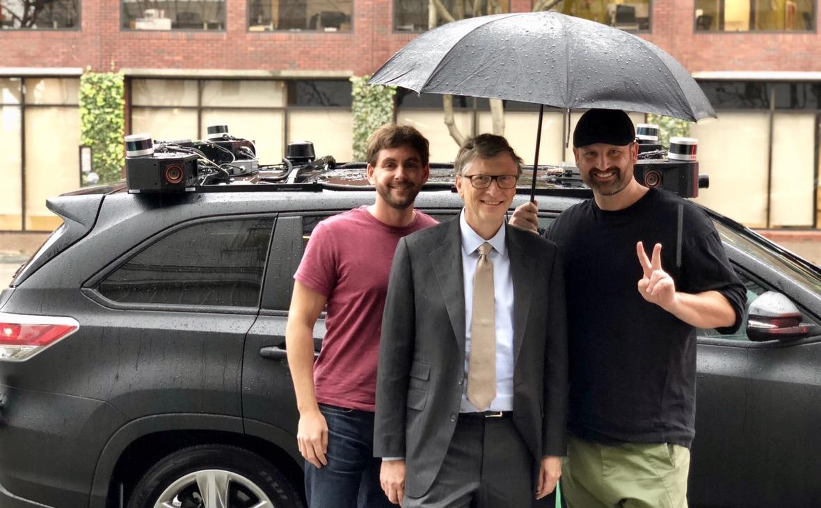 Сооснователи ZooxТимКинтли-Клэй (справа), Джесси Левинсон и создатель Microsoft Билл Гейтс