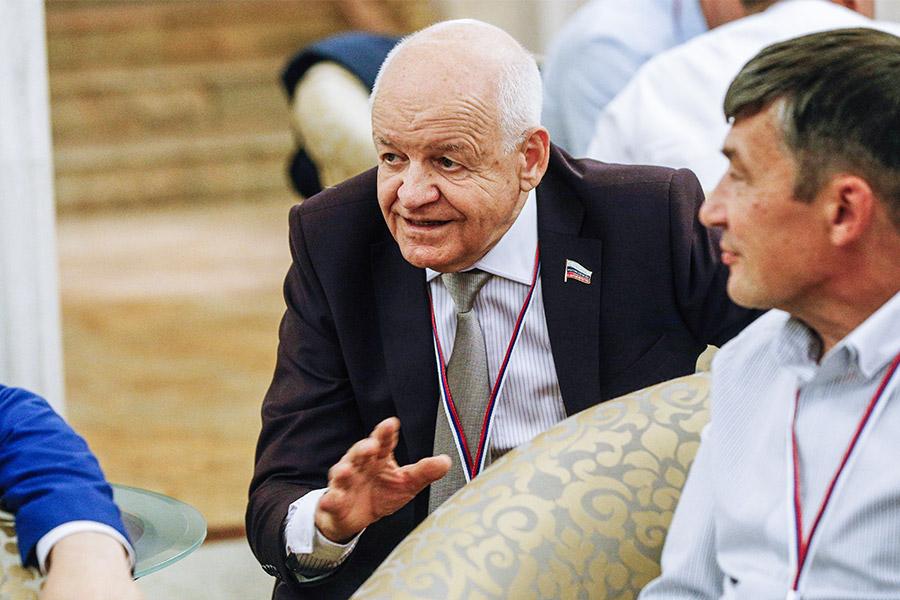 Виктор Черепков на съезде партии «Родина» в гостинице «Украина» в Москве. 2016 год