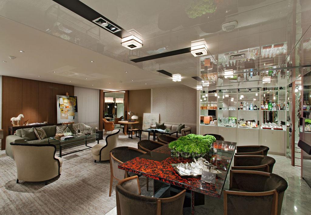 Ararat Park Hyatt Moscow  Современный дизайн пентхауса выполнен сиспользованием эксклюзивных материалов исоздает ощущение дома