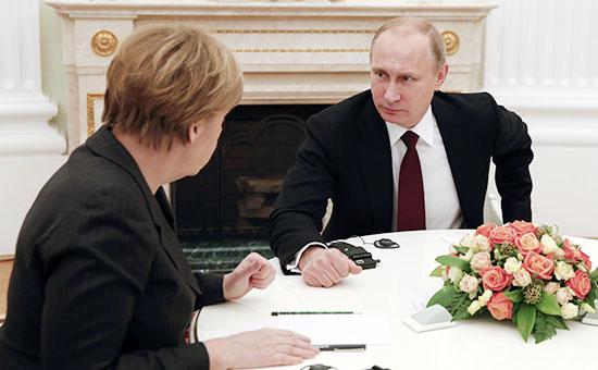 Канцлер Германии Ангела Меркель и президент России Владимир Путин во время встречи в Кремле