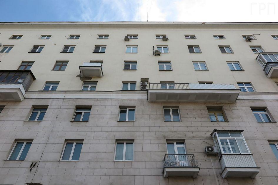 На Волоколамском шоссе к четырехэтажному дому сверху пристроили еще четыре этажа