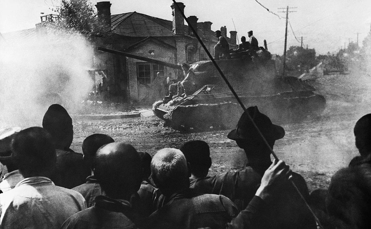 Советские войска на улицах Харбина, сентябрь 1945г.
