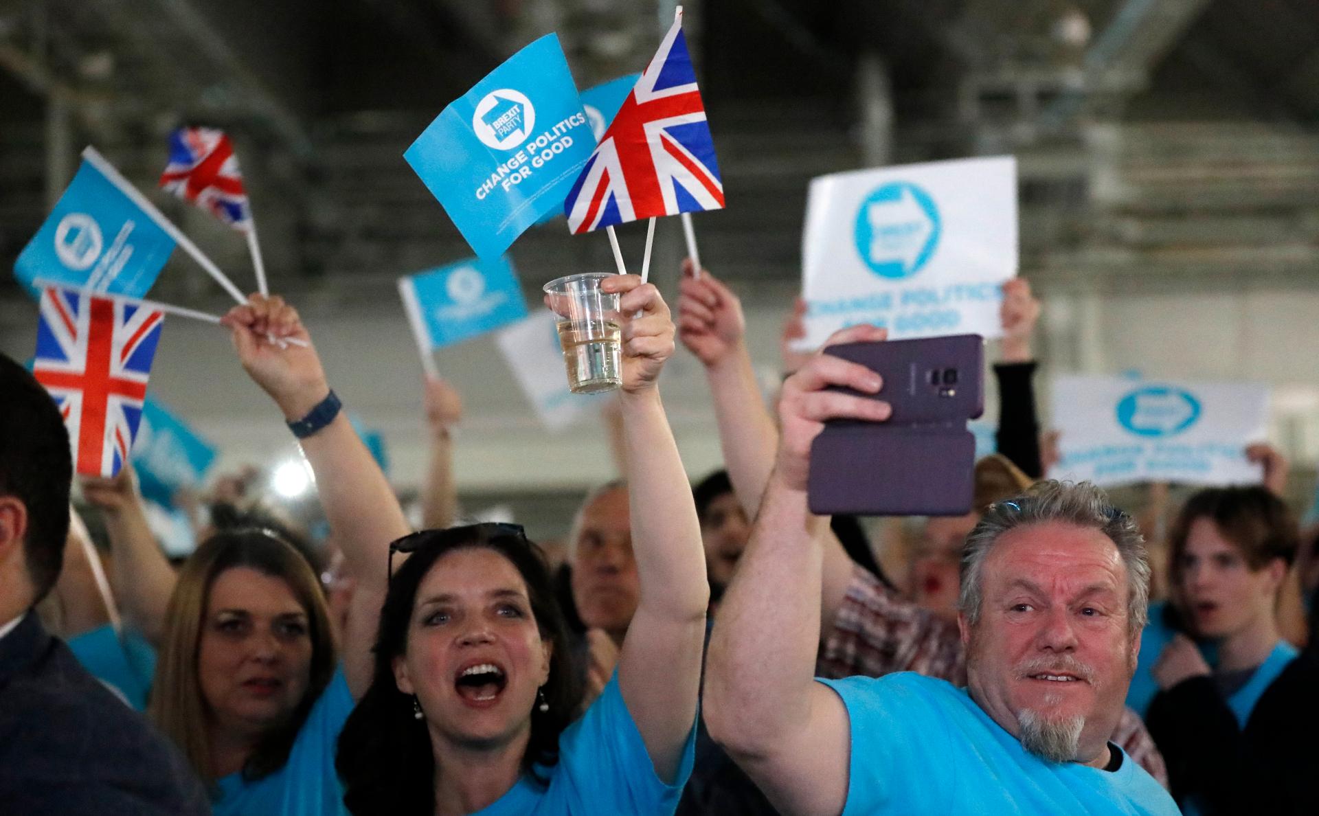 фото голосования на выборах в великобритании
