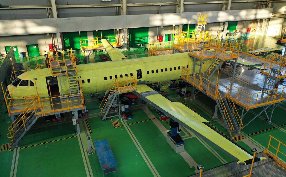 Изготовление фюзеляжа самолета Ил-114-300