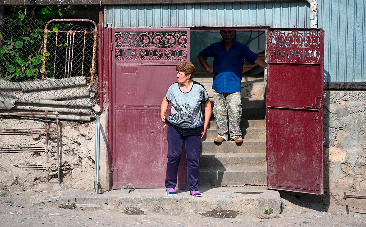 Жители села Айгепар, пострадавшего в результате обстрела на армяно-азербайджанской границе в Армении