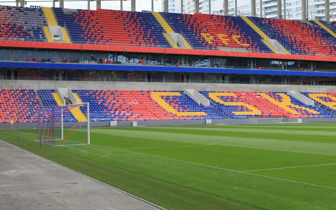 На 3-й Песчаной улице в Москве построили домашний стадион футбольного клуба ЦСКА. Спортивный комплекс площадью 171,7 тыс. кв. м рассчитан на 30 тыс. зрителей