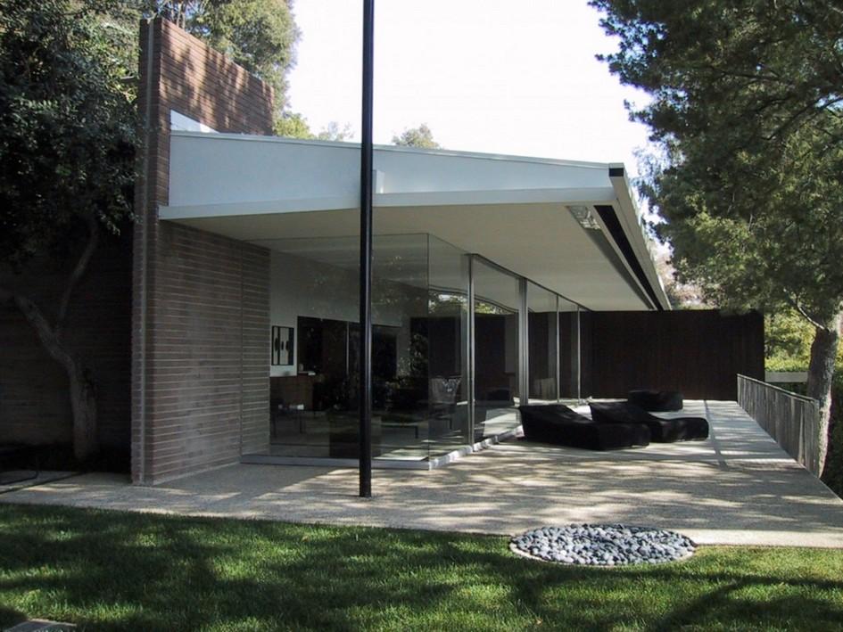 Фото:dirt.com VIA Triangle Modern House
