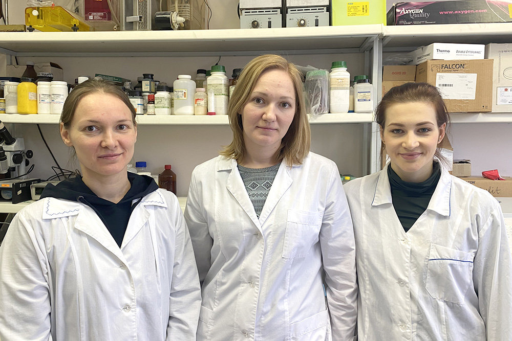 Анастасия Проскурина (в центре) вместе с Евгенией Долговой и Екатериной Поттер